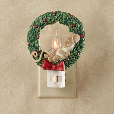 Mouse in Wreath Flicker Nightlight