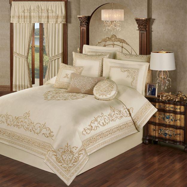 Versailles Pearl Comforter Set